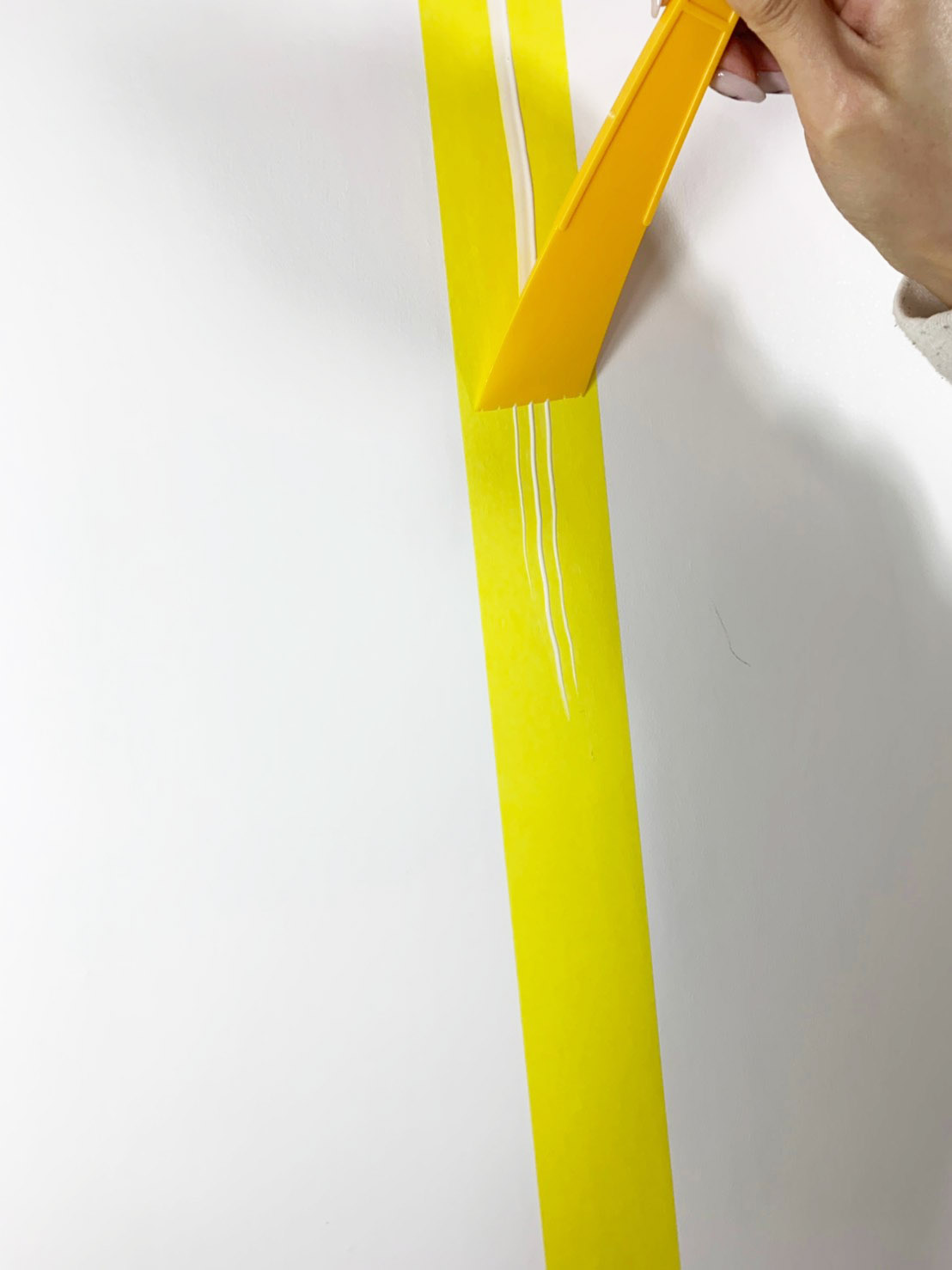 スプレダーでのりを伸ばします。しばらく時間を置いて透明になったらOKです!のイメージ1